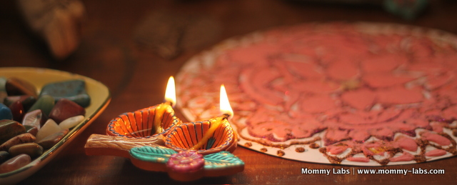 Diwali Clay Lamps http://www.mommy-labs.com/creative-kids/art_craft_projects_kids/leaf-art-rangoli-diwali-nature-table-mandala/