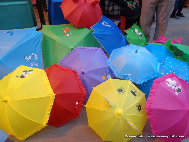 Janpath kids umbrellas Mommy Labs Christmas colours