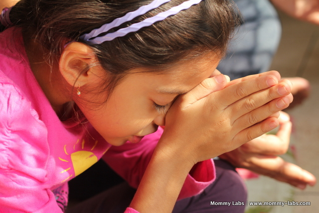 prayer and chanting for children can soothe their minds and souls